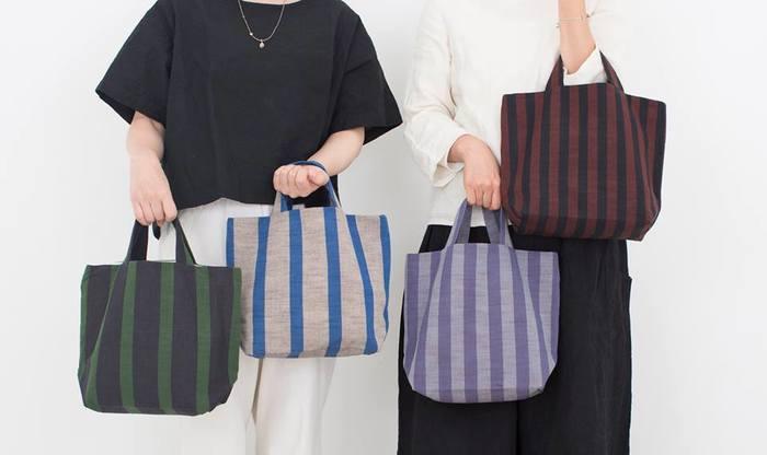 伝統的な会津木綿をより現代的な身近なものとして提案しているブランド「HARAPPA」。オールシーズン快適に使え、高い機能性と織り柄の美しさが特徴の会津木綿。あなたの生活を彩るアイテムとして日常に加えてみるのはいかがでしょうか?