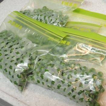 野菜などを冷凍しても、解凍後美味しくなくなってしまった…なんてことありませんか?みずみずしいまま野菜を冷凍するためには、なるべく低い温度で短時間に冷凍してしまうのがコツ。
