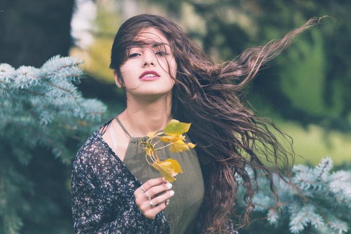 お気に入りのボディクリームやボディミスト、コロンやパフューム、お花やお菓子。好きな香りを纏う行為は、女性らしい気持ちをアップしてくれます。