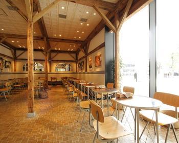 """そんな中野セントラルパーク内に、セレクトショップ""""JOURNAL STANDARD""""が手がける、パンケーキ専門店「j.s. pancake cafe(ジェイエス パンケーキカフェ )」があります。"""