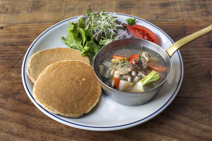 サラダやスープのついた食事系まで計14種類以上もあるので、ちょっと一息にもしっかりランチもOK! 休日のブランチで1日の始まりにもいいですね。