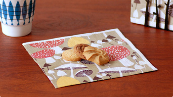 ペーパーナプキン一枚でテーブルのイメージは変わります。何かと手が汚れがちなBQQには是非用意しておきたいアイテムです。