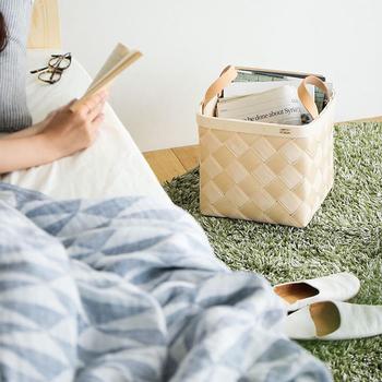 素材や形が豊富なバスケットやかごは、収納アイテムとしてはもちろん、お部屋に合ったデザインを選べばインテリアとしても活躍してくれる、おしゃれで優秀な「見せる収納」アイテムです。