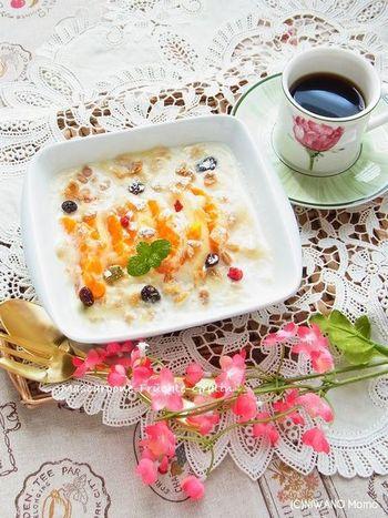 寒い季節にうれしい、あつあつのフルーツグラタン。カスタードクリームを作る代わりにマスカルポーネチーズを使っていますので、とても楽チン。彩りもきれいですね。