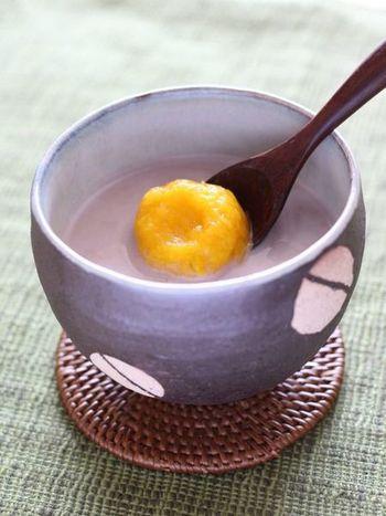 かぼちゃとココナッツミルクの自然な甘みとコクが堪能できるお汁粉。色合いも鮮やかで、目にも美味しいですね♪