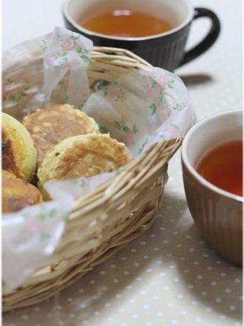 こちらは、ホットケーキミックスを使って、フライパンで簡単にできる大判焼き。型は、セルクルを使用。ふわっとしておいしそうですね。あんだけでなく、カスタード系やお芋系のフィリングも合いそうです。