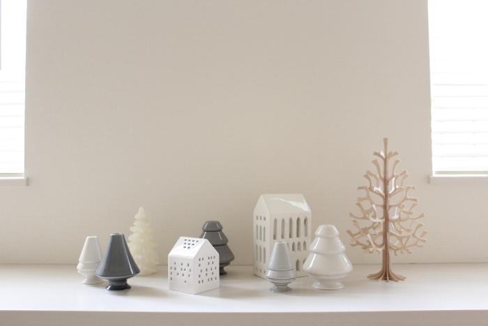 クリスマスにはまだちょっと早いかな?と思う方にはナチュラルカラーをおすすめします。シンプルなツリーなので、一年中飾っていても違和感がありません。