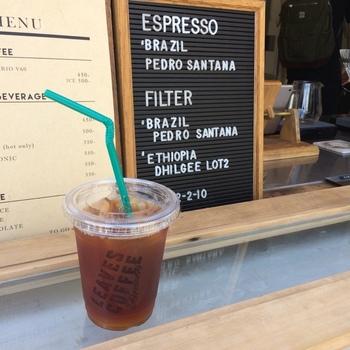 豆は、渋谷の名店「FUGLEN」のものを使用。FUGLENは、1963年からノルウェー・オスローで続く歴史あるコーヒーロースターでコーヒーファンなら一度は耳にしたことがあるのではないでしょうか?  蔵前界隈でFUGLENを飲めるお店がなかったこともあり、その味を求めて来店する方も多いんだとか。すっきりとした味は飲みやすいと評判です。