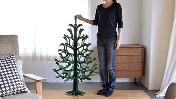 クリスマスの主役になれそうな、120cmの大きなクリスマスツリーは置くだけで存在感抜群。