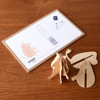 ムーミンシリーズはポストカードで送れるようになっていて、プレゼントにも最適です♪ミニツリーや「Mini Bird(ミニ バード)」などのオブジェもグリーティングカードタイプになっています。