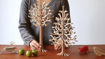 loviのクリスマスツリーは、高さが12cm・30cm・60cm・120cmの4種類。飾る場所に合わせて選んでみてくださいね。
