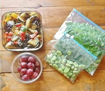 冷凍しているとはいえ、なるべく早めに使うのがベター。あまりに長い期間冷凍していると、食品が乾燥したり酸化したりしてしまい味や食感が落ちてしまいます。遅くても2週間~1ヶ月程度で使うようにしましょう。