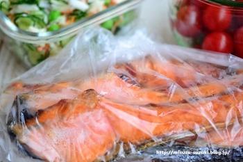 魚は新鮮なうちに下味をつけてから冷凍すると、保存期間が延び、調理も楽チン♪臭みも気になりません。
