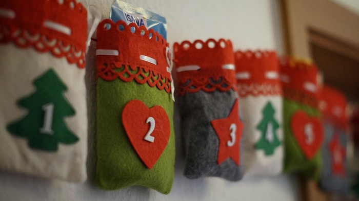 クリスマスを待つ間も嬉しい☆アドベントカレンダーの楽しみ方&手作りヒント集