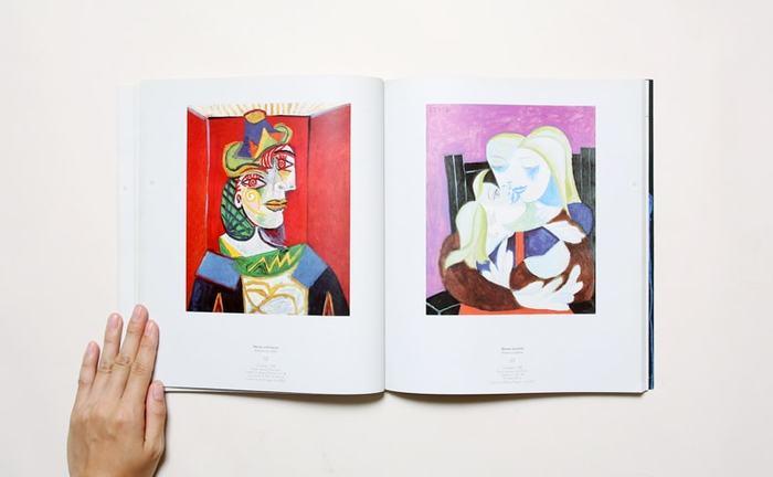 「ピカソって、何を描いているかわかんな~い!」という方、この本を見ると、ピカソを見る目が変わるかもしれません。実は、ピカソは子どもの頃から絵がとっても上手だったんですよ。