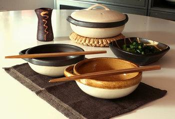 お揃いカラーのとんすいもおすすめ♪テーブルの上の統一感がグッと増します。土鍋自体も色違いはまた雰囲気がガラッと変わりますね。