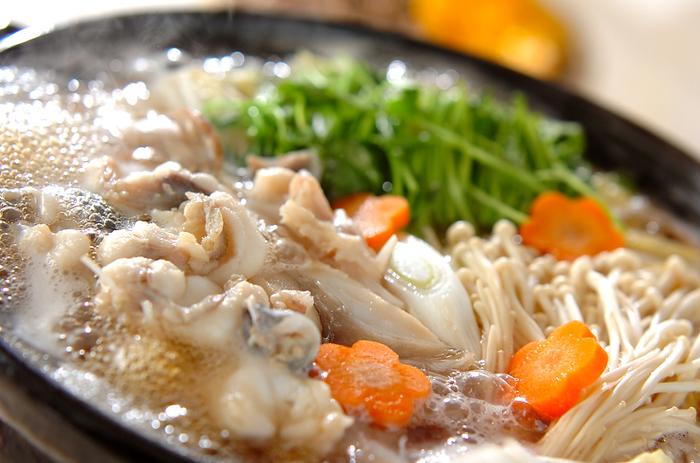 コラーゲンたっぷりのアンコウと季節の野菜をふんだんに使った鍋。スープもコラーゲンが溶けだしているので、残さずにいただきましょう♪翌朝はきっとお肌がぷるぷるですよ。