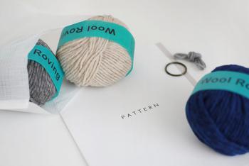 太い毛糸で編んでいくので、意外と早く編み上がります。模様が浮かび上がっていく過程はどんどん楽しくなること間違いなしです!