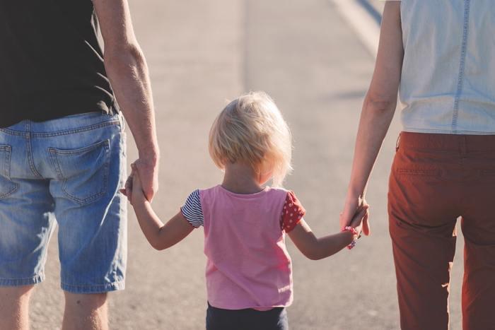 共働き家庭の割合が多いカナダでは、週末が家族にとっての大事な時間。土日には、子どもが楽しめるスポットに出かけたり、家族で公園や家でまったりしたり、みんなで一緒に過ごします。  普段なかなか会えないからこそ、大切な時間を大切なひとと一緒に過ごしてみませんか?