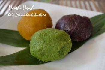 うるち米やもち米を使わなくてもレンジで簡単に調理できる道明寺粉のおはぎ。緑のあんこは、グリーンピースを使っていますよ♪