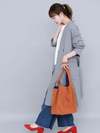 シンプルなコーディネートも秋カラーのバッグを取り入れることで、もっともっと季節を楽しむことができますね。ひと言で6色といっても微妙な色の違いや、素材・形もたくさんあるので、お気に入りのバッグを探してみてくださいね。