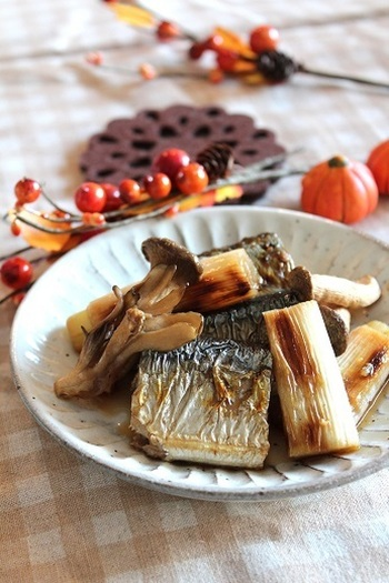手頃な価格で旬を楽しめる秋刀魚は何度でも食卓に登場させたい食材です。基本の塩焼きはもちろんのこと、今年はちょっとアレンジしていつもと違った秋刀魚の魅力を発見してみませんか?