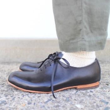 「散歩したくなる靴」を1足1足、そのひとのを足を計測して靴を手がけている「まる歩靴工房」さん。 当日は直接お話をして、自分に寄り添う靴をオーダーしてみてはいかがでしょうか?