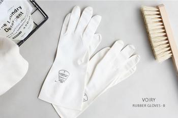 ■VOIRY RUBBER GLOVES-B WHITE  おしゃれなゴム手袋はいっぱいあるけれど、もっとシンプルなものがほしい…という方におすすめ。やや小さめの女性に嬉しいフィット感のあるタイプです。