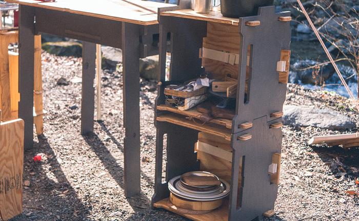 キャンプやバーベキューの時に道具入れとして使うととっても便利!おしゃれなアウトドアシーンを演出してくれます。