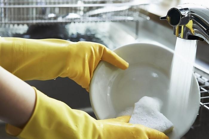 そんなきれいな台所・シンクをキープするためには、毎日のお手入れが大切だったりします。ちょっとした工夫とコツで汚れを溜めない習慣を手に入れましょう。