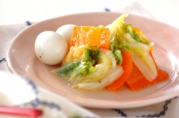野菜がたくさん食べたい時にぴったりなレシピです。こちらはゴマ油や塩コンブ、キャベツで作っても◎のおいしさですよ。