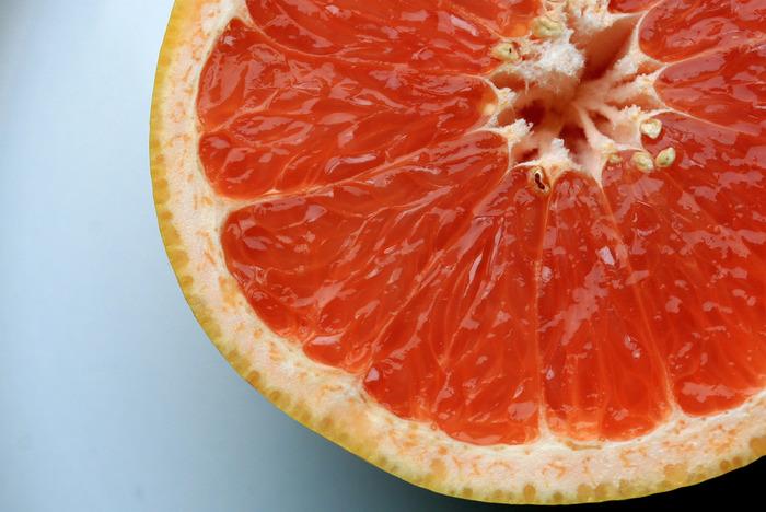 グレープフルーツの爽やかな香りは、リフレッシュしたい時におすすめ。リビングやお風呂で使用すると、気分転換になりますね。フレッシュな香りはシーンを選ばず好まれるので、日常的に使いやすい香りでもあります。