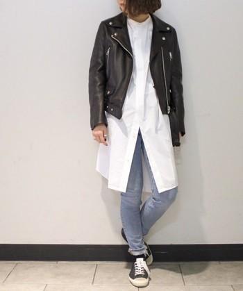 スウェーデン発のファッションブランド『ACNE STUDIOS(アクネストゥディオズ)』。定番のダブルライダースジャケットは、毎年多くの人気を集めています。