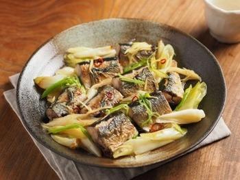 和風アクアパッツァ!?ボリューム満点で柔らかなさんまと長ネギの風味が美味しい♪サンマの酒塩焼きはご飯も進みそうですね。