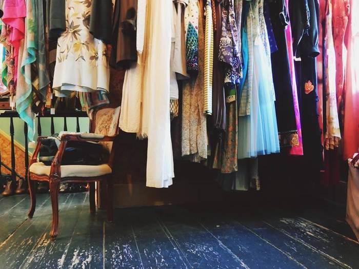 そして、たくさんある古着屋さんや古着のアイテム。どれを選んでどう着こなすのか、キナリノ流古着MIXコーデの10のコツをレクチャーしていきます。ぜひご参考にされてくださいね♪