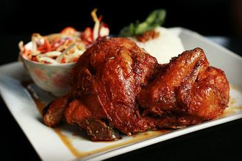 いつものレシピに飽きたら。世界各国の鶏肉料理を作ってみよう♪