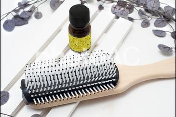 シャンプーをする時に、取り入れたいのが頭皮マッサージです。血行をよくして、髪や頭皮のダメージの回復を促してくれます。