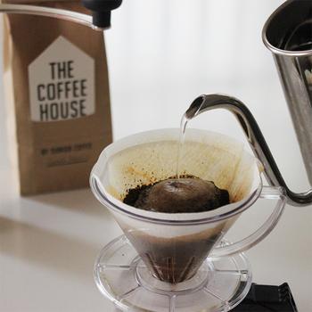 墨田区にあるコーヒー専門店・すみだ珈琲のブレンドコーヒー。グアテマラ産のコーヒー豆を世界最高峰の品質と称し、それを軸に旬の豆をつかってブレンドされた本格派。
