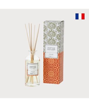 ジューシーなイチジクが香る、洗練されたデザインのルームフレグランス。個性的で濃厚な香りはお部屋の雰囲気を秋らしく変えたい時におすすめです。イチジクをはじめ、カシスやルバーブ、ココナッツやサンダルウッドなど印象深い香りが楽しめます。
