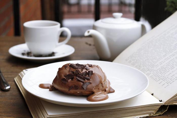 ゆったり静かに読書がしたい。そんな時に訪れたい居心地のいい都内のカフェ【7選】