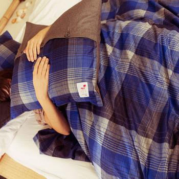 こちらは枕カバーと掛け布団カバーのセットですが、ベッドカバーの代わりとしても問題なく生かせそう。気に入った掛け布団カバーを見つけたら、枕カバーも合わせて探してみましょう。