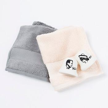 ◇タオル×歯ブラシスタンド 生活の必需品だからこそ、見るたびに嬉しくなるようなものを♪初々しいカップルのイメージにぴったりな、シンプルだけどかわいらしいタオルと歯ブラシスタンドのセットは、きっと喜ばれるはず。