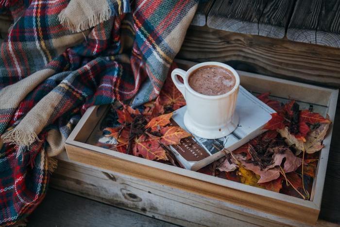 コーヒーやお茶のいい香りに包まれながら読書を楽しめる素敵なカフェをご紹介しました。 読書の秋。今度の週末はお気に入りの一冊と一緒にゆったりカフェで過ごしてみませんか?
