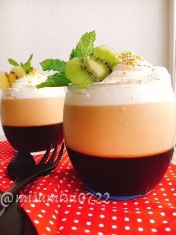 ビターなコーヒーゼリーは、砂糖を使わないのでもちろん糖質控えめ。ストレートコーヒーと、ミルク入りコーヒーのゼリーを2層にしたツートーンのかわいいゼリーです♪  砂糖:なし 小麦粉:なし