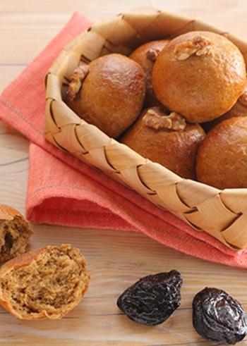 こちらは本格的なプルーン豆乳おからパンのレシピ。時間をかけて丁寧に作りたい一品です。