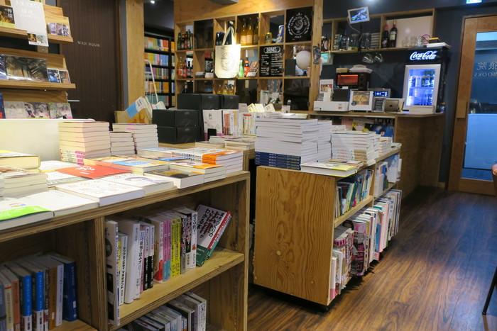 大型書店に比べると数は少ないですが、本当に読んでほしい本を厳選して取り揃えています。