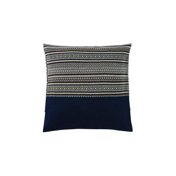 フェアアイルとは、スコットランドのフェアアイル島の伝統ある織りのパターン模様のこと。クッションコーディネートのワンアクセントに素敵です。