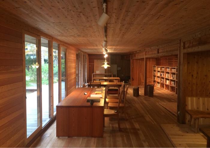 ショップやギャラリーを実際に訪れたお客様から、家を造ってほしいと頼まれることも多いそう。KITOKURASの居心地の良さに惚れ込んでしまう人も多数いるようです。