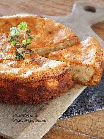 チーズケーキと雑穀という珍しい組み合わせのレシピですが、なんと雑穀ご飯が混ざっているのです!雑穀ご飯が余ってしまった時にも参考にしてみてください。