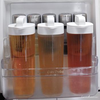 冷蔵庫のドアポケットには、スリムな「ドアポケットタイプ」がおすすめですよ。もちろんこちらも横置き対応です。
